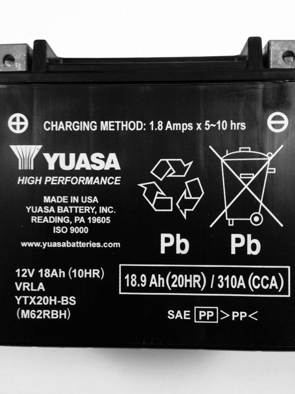 BATTERIA MOTO-SCOOTER YUASA 12V 18AH YTX20H-BS SIGILLATA HIGH PERFORMANCE